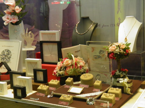 GIA專業珠寶設計師門市駐店
